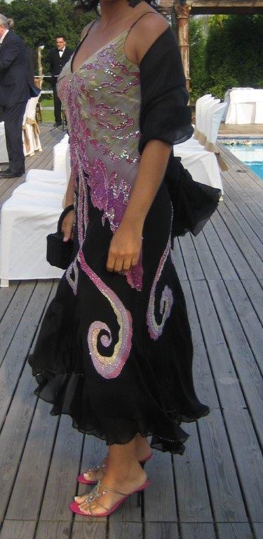 Vestido gris, rosa y negro
