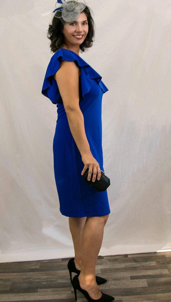 vestido-corto-azul-kleim-hombro-descubierto-alquiler-me-lo-prestas