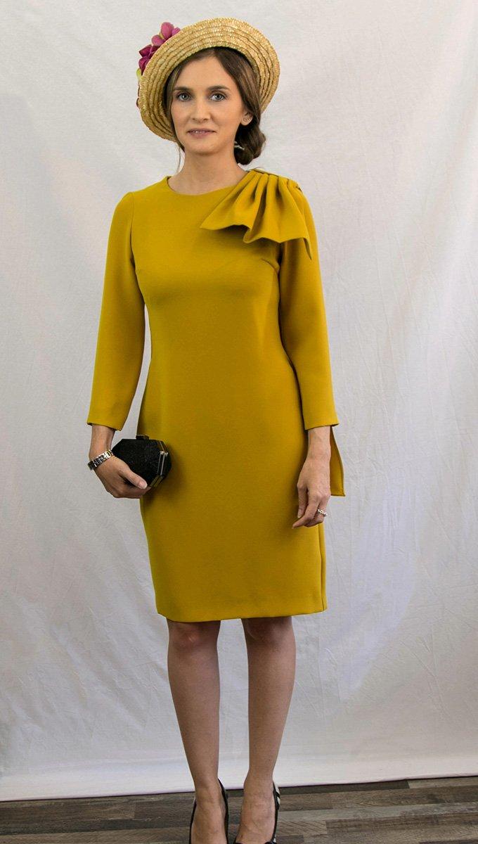 vestido-corto-evento-mostaza-coosy-alquiler-me-lo-prestas